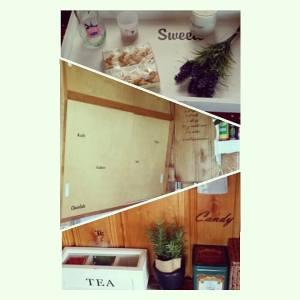 Veggklistremerker plassert litt diverse steder på kjøkkenet.