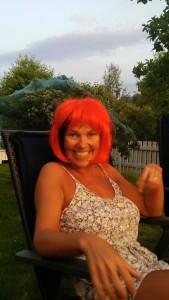 Lisbeth med rødt hår.